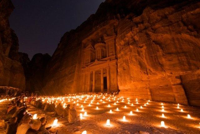 altar del sacrificio, jordania, monasterio, tesoro, viaje con amigos, viajes organizados