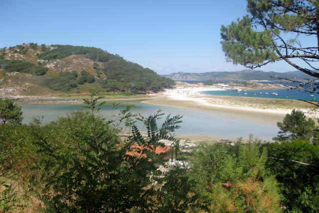 alojamiento, barco, camping, donde comer, donde dormir, Escapada, España, ferry, Galicia, Islas Cíes, Playa de Rodas, por libre